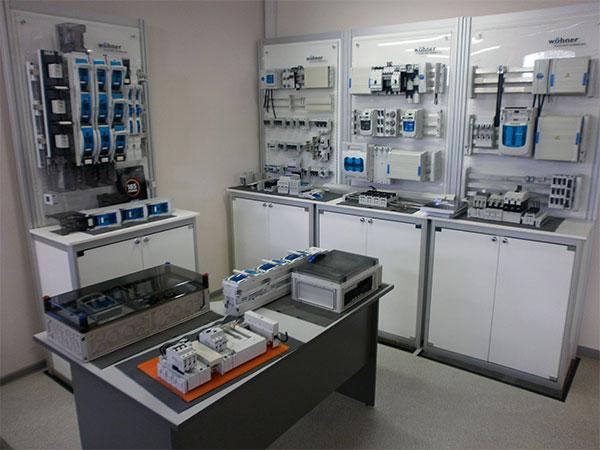 Экспозиция оборудования Wöhner
